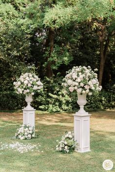 Giuseppe Papini real bride Francesca magic flowers setting. The beautiful Italian wedding photographed by Marta Guenzi, Wedding Planning by Margherita Orlandi, Flowers by Buzzi Maurizio