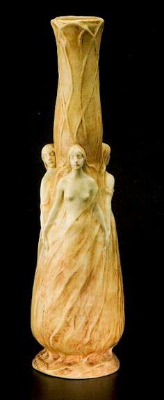 Agnès de Frumerie Vase les trois muses Grès 1901