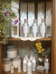 Hill House Natural home fragrance line, Paperwhites, is a subtle blend of classic roses, complemented with lily of the valley, carnation and cyclamen and warmed with an undertone of sweet musk. This scent is available in diffusers, room sprays, candles, and oils. Available at Cobblestone Village or www.Cobblestonevilageandcafe.com