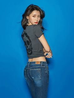 Nara in tight jeans posing in a photoshoot for Buckaroo. Korean Beauty, Asian Beauty, Natural Beauty, Japonesas Hot, Asian Fashion, Girl Fashion, Asian Models Female, Chica Fantasy, Sexy Jeans