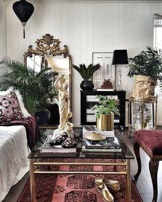 Home Living Room, Living Room Designs, Living Room Decor, Modern Victorian Decor, Modern Victorian Bedroom, Vintage Modern Living Room, Home Interior Design, Interior Decorating, Muebles Shabby Chic