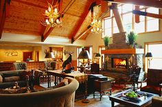 We love the cozy ski lodge lobby at The Hotel Telluride. The vaulted rustic ceilings and the variety of plush seating is the perfect welcome after a long day on the slopes.