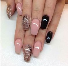 Do you find your nails boring? Do you want to easily and quickly add a shiny and fascinating look to your nails without wasting a long time on painting Get Nails, Fancy Nails, Love Nails, Hair And Nails, Fabulous Nails, Gorgeous Nails, Pretty Nails, Nail Designs 2015, Cool Nail Designs