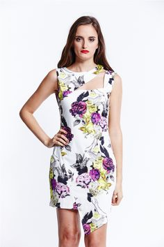 Liquorish Cream Floral Cut Out Asymmetric Dress Cotton-rich woven fabric All-over print Slash neckline Cut out panels Asymmetric hemline Zip back fastening Slim fit - cut closely to the body Machine wash Cotton Elastane Made In UK Dress For Short Women, Short Dresses, Everyday Dresses, Asymmetrical Dress, Dresses Online, Hemline, Peplum Dress, Evening Dresses, Your Style