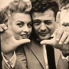 Sophia Loren and Marcello Mastroianni. Marcello Mastroianni, Cinema Quotes, Old Movie Stars, Vintage Movie Stars, Catherine Deneuve, Nostalgia, Star Wars, Jolie Photo, Vintage Hollywood