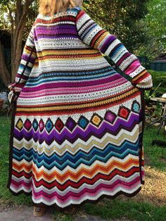 Ravelry: Project Gallery for Crochet cardi Missoni Inspiration pattern by Fashion Martina by corrine Crochet Coat, Crochet Jacket, Crochet Cardigan, Love Crochet, Crochet Granny, Beautiful Crochet, Crochet Shawl, Easy Crochet, Crochet Clothes