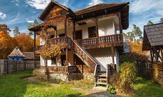 case traditionale romanesti - Google Search Cozy Cottage, Cottage Homes, Mud House, Rustic House Plans, Bucharest Romania, European House, Beautiful Buildings, House In The Woods, Traditional House