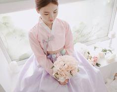 한복 Hanbok : Korean traditional clothes[dress] | #ModernHanbok Ethnic Fashion, Punk Fashion, Asian Fashion, Korean Traditional Dress, Traditional Dresses, Korean Dress, Korean Outfits, Orientation Outfit, Modern Hanbok