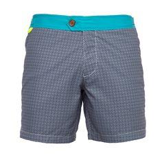 Le maillot de bain homme Gili's Turquoise Azulejos vous apporte à la fois raffinement et confort pour vos baignades. La ceinture plate donne un côté mode à ce short de bain haut de gamme.