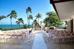 Hawaii wedding, halekulani hotel, hauoli terrace