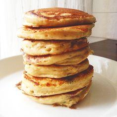 Perusresepti: Pulleat pannarit | Maku Baking Recipes, Snack Recipes, Dessert Recipes, Yummy Pancake Recipe, Yummy Food, Pancakes, Cocktail Desserts, Food Test, Savory Snacks