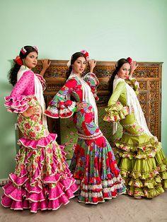 Colección 2013 | El Ajolí - Trajes de flamenca en Huelva Flamenco Dresses, Spanish Fashion, Florals, Nice Dresses, Gypsy, Ethnic, Spain, Kimono Top, Ballet