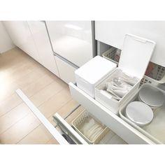 """⚫︎⚫︎yayoi⚫︎⚫︎ on Instagram: """"❤︎. 『ニトリのダストボックス』以前にもお茶っぱ収納を載せましたが、他にも収納してみました(๑˃̵ᴗ˂̵). . 2枚目→メラニンスポンジ. 3枚目→スティックコーヒー(紅茶だけど😘). 4枚目→キッチンのゴミ箱として. . まだまだいろんな使いかたありそう😍✨. . .…"""" Decoration, Minimalist, Home Appliances, Storage, Kitchen, Room, House, Organizing, Organization"""