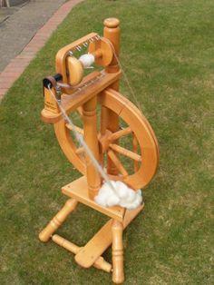 Spinnrad-Delft-fuer-Anfaenger-ideal-geeignet-zum-Einsteigen-in-das-Spinnen