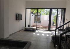 Cho thuê nguyên căn 2 phòng ngủ tạikhu An Thượng, Mỹ An, Ngũ Hành Sơn, Đà Nẵng. Nhà 2 tầng 2 phòng ngủ, 1 phòng khách, mới xây, còn mới 100%. Nhà đẹp thiết kế theo phong cách hiện đại sang trọng.…