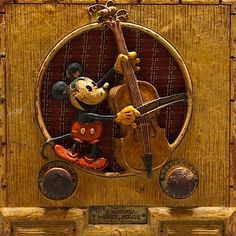 "- Beautiful early 1934 painted version of the Emerson Model 411 Repwood ""Mickey Mouse"" Radio. Minnie Mouse, Mickey Mouse And Friends, Vintage Disney, Retro Vintage, Vintage Toys, Radio Record Player, Music Radio, Abbott And Costello, Old Time Radio"
