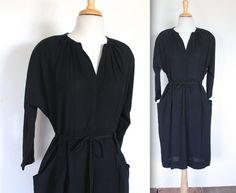 Vintage späten 40er Jahren schwarz Krepp cocktail Tag Kleid! Elegante 40er Jahre Silhouette! Diese Schönheit wäre ideal für eine Nacht heraus