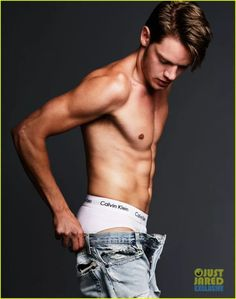 Welcome to Daily Dominic Sherwood, your best source about the british actor, musician and model Dominic Sherwood, most known for his role as Christian Ozera in Vampire Academy and portraying Jace Wayland on the TV show, Shadowhunters. Taylor Swift New, Taylor Swift Style, Taylor Swift Pictures, Dominic Sherwood, Jace Wayland, Patrick Schwarzenegger, Calvin Klein, Girls Aloud, Underwear