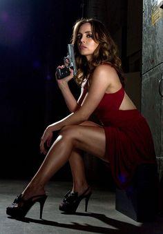 ~J    She's  gonna hurt you ...! If you try taking that gun away...