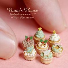 Miniature Christmas cupcakes by Tomo Tanaka @ Nunu's House, Japan.