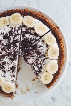vegan banoffee pie | RECIPE on hotforfoodblog.com