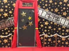 Our awesome PTA created this grand Hollywood entrance to the staff lounge for Teacher Appreciation Week, complete with red carpet! Volunteer Appreciation, Teacher Appreciation Week, Teacher Gifts, Hollywood Theme Classroom, Classroom Themes, Deco Cinema, Cinema Party, Teacher Doors, Red Carpet Party