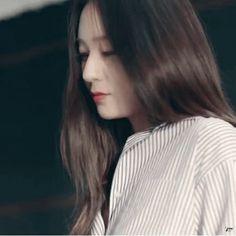 Kim _____ es una chica de 25 años de edad, esta desde hace 2 años est… #fanfic # Fanfic # amreading # books # wattpad Krystal Fx, Jessica & Krystal, Seohyun, Snsd, Krystal Jung Fashion, Crying Girl, Jonghyun, Role Player, Sulli
