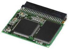 La memoria de solo lectura, conocida también como ROM, es un medio de almacenamiento utilizado en ordenadores y dispositivos electrónicos, que permite sólo la lectura de la información y no su escritura, independientemente de la presencia o no de una fuente de energía.