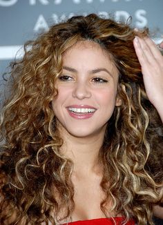 Shakira Grammys  Why can't my hair always look like this?!