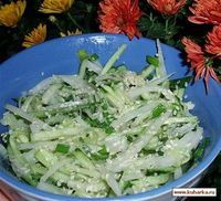 Рецепт: Салат с дайконом и огурцом