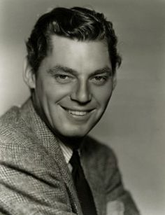 Actor/swimmer Johnny Weissmuller was born today in Older Boomers remember his TV series Jungle Jim. He will however, forever be associated with his most iconic role of Tarzan in the & films, which many a Boomer saw at their Saturday kiddie matinees. Hollywood Stars, Old Hollywood Movies, Hollywood Actor, Classic Hollywood, Hollywood Icons, Maureen O'sullivan, Tarzan Johnny Weissmuller, Tarzan Movie, Black And White Stars