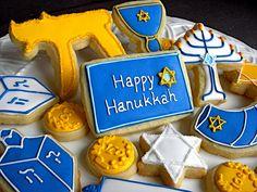 Hanukkah decorated cookies on We Heart It Jewish Hanukkah, Happy Hanukkah, Hannukah, Iced Cookies, Holiday Cookies, Sugar Cookies, Jewish Cookies, Arte Judaica, How To Celebrate Hanukkah