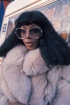 70s Revival Mode Disco, Annee, Fourrures, Lunettes, Chanteur, Haute Couture 12ad4c8ca845