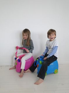 Theo and Luce on cool kids travel gear by Trunki