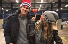 Tom Brady and Gisele Bundchen Really Do Have the Strongest Marriage Tom Brady E Gisele, Tom And Gisele, Gisele Bundchen Tom Brady, Tom Brady Meme, Super Bowl, Danny Amendola, Elle Mexico, Afc Championship, Sport