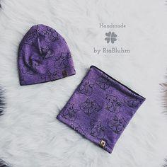 Süßes Beanie / Loop Set aus dem schönen lila Fuchsstoff. Die Innenseite ist aus kuscheligen Fleece, damit es die Mäuse auch schön wärmt. . Stoff auch in senfgelb erhältlich, bitte einmal wischen 😊 . . . #handmade_by_riabluhm #handmade #handmadeforkids #instakids #winter #winteroutfit #ootd #babyfashion #instababy #teamrosa #mom #momsofinstagram #instamama #beanie #loop #füchse #instashop #shop #handmadeshop