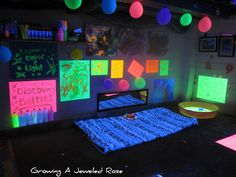 Love the glow balloons, bubbles, and discovery bottles! Growing A Jeweled Rose: Black Light Themed Sensory Play Date- The Set Up Sensory Rooms, Autism Sensory, Sensory Play, Sensory Diet, Educational Activities For Kids, Sensory Activities, Toddler Activities, Imagination Tree, Blacklight Party