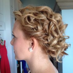 hair and makeup by Monica, wedding hairstyle, updo, beachy waves manuel antonio, costa rica, beautiful bride Costa Rica, Beachy Waves, Beautiful Bride, Updos, Wedding Hairstyles, Hair Makeup, Marriage, Diy Creative Ideas, Up Dos