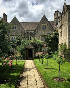 My inner landscape Happy Birthday William, English Manor Houses, Magna Carta, William Morris, Garden Paths, Beautiful Gardens, Sidewalk, Mansions, Places