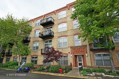 Condo/Townhome Property For Sale with 1 Beds & 1 Baths In Chicago, IL (60647)
