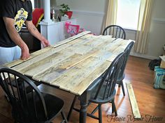 DIY Pallet Farmhouse Table I'm a country girl at heart and my next house will be a farmhouse for sure...animals included, lol! But for right...