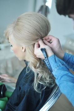 How to tease hair into a 1960's up do hairstyle lovelyimperfect.com