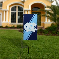 North Carolina Tar Heels (UNC) Mini Yard Flag