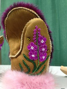 Fireweed mitts by Sarah McHugh Native Beadwork, Native American Beadwork, Beaded Moccasins, Beadwork Designs, Bead Sewing, Nativity Crafts, Beading Patterns, Beaded Flowers Patterns, Loom Patterns