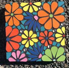 Mosaic Tile Art, Mosaic Diy, Mosaic Garden, Mosaic Crafts, Mosaic Projects, Mosaic Glass, Mosaic Coffee Table, Mosaic Windows, Mosaic Stepping Stones