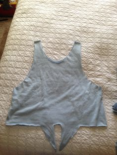 DIY tie crop top with a $1 men's t shirt from the thrift store!