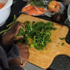 Granola Girl, Food Diary, Fruits And Veggies, Healthy Lifestyle, Food Porn, Vegetarian, Meals, Vegan, Fresh