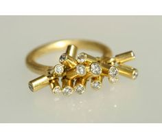 'Loose Diamonds' ring in 18ct gold
