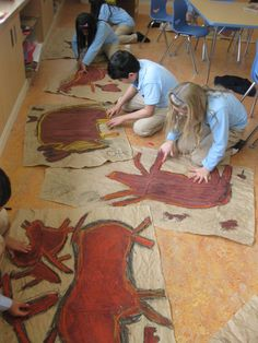 Lesson on the Lascaux cave paintings in France. Students will examine the meanings behind cave art and how they were created. Create their own cave art using pastels and working on their pieces on the wall like the original artists did. Art Lessons For Kids, Art Lessons Elementary, Art For Kids, Kids Work, Art History Lessons, Arte Elemental, Stone Age Art, Classe D'art, Ecole Art
