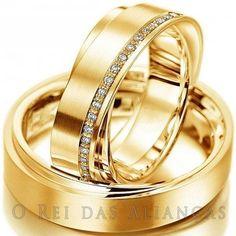 Alianças de Ouro 18k anatômicas com diamantes na feminina, Preço e peso referente ao par.